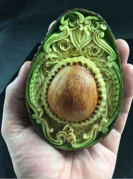 1sandybali avocaco carving